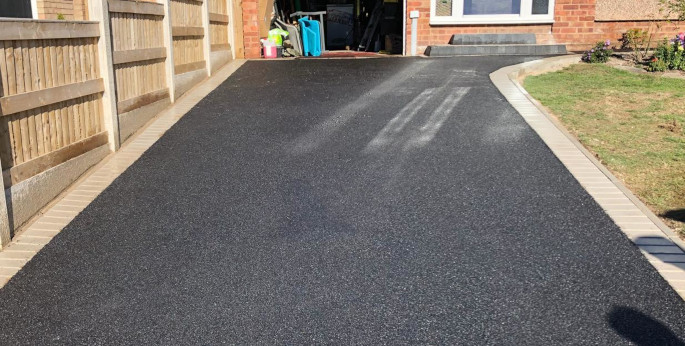 Tarmac driveway in Cheshire.